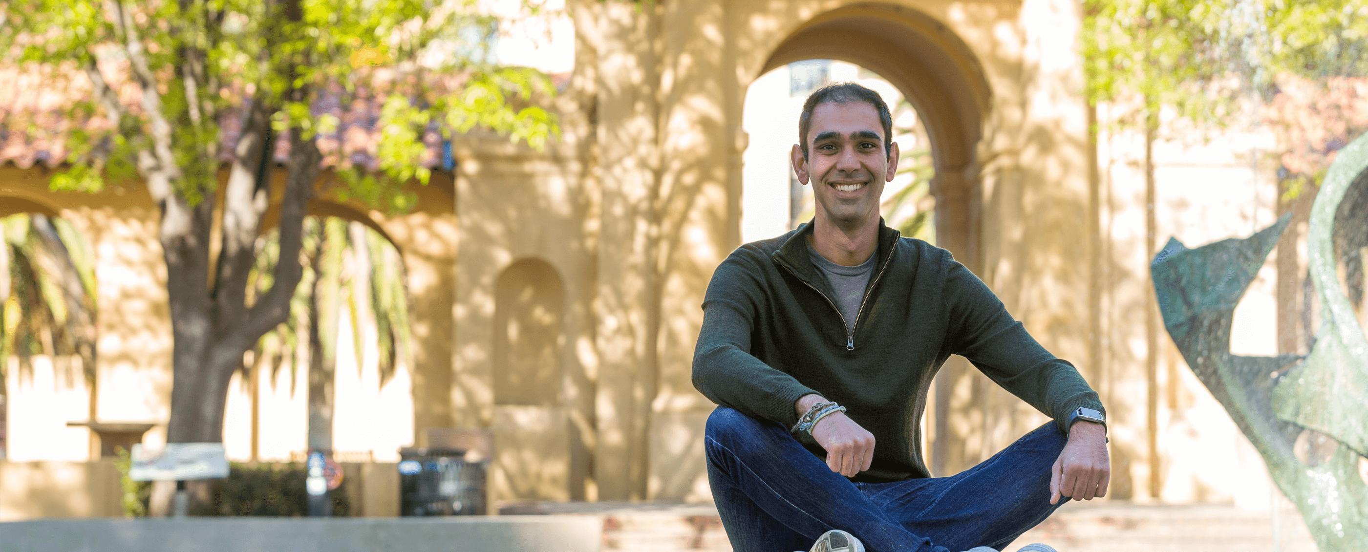 Pamon Forouhar, MBA '18. Credit: Kiefer Hickman