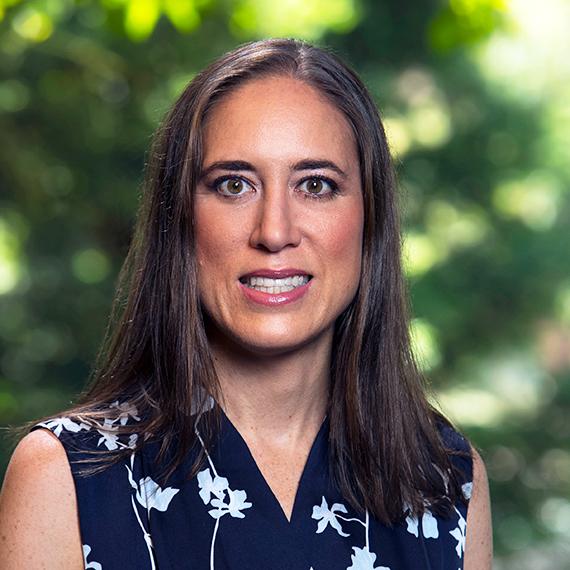Claudia Belmont
