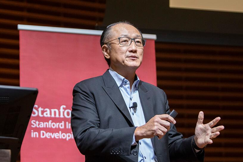World Bank Group President Jim Yong Kim speaks on stage. Credit: Elena Zhukova