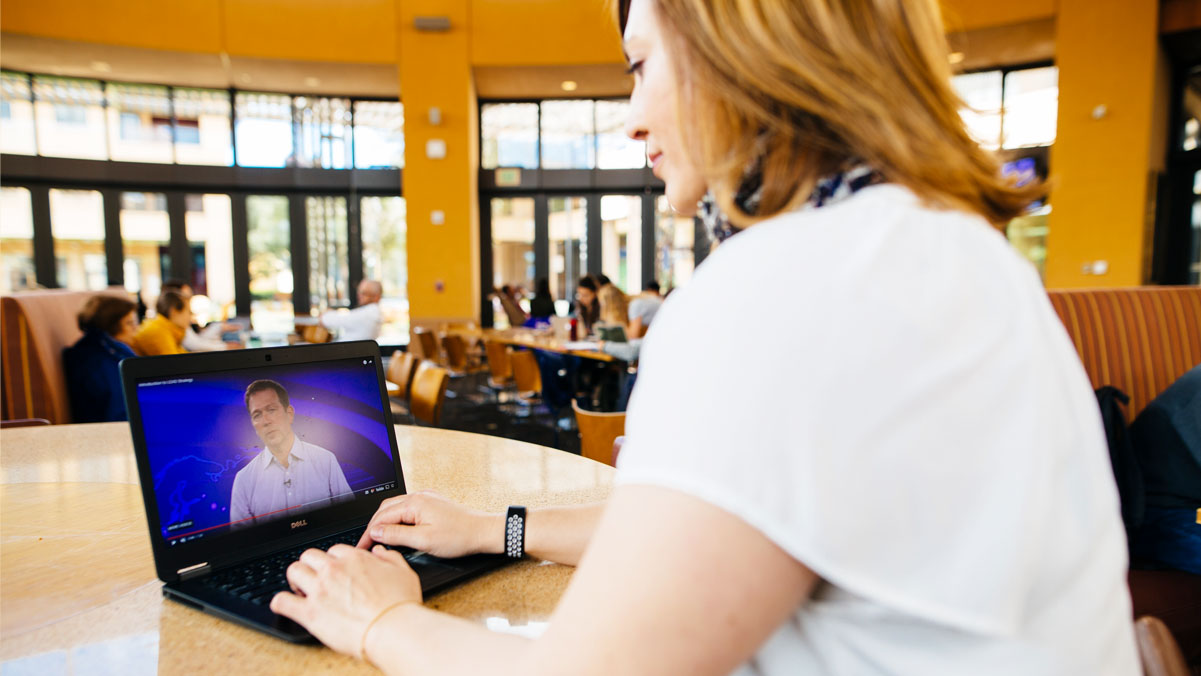 An On-demand Participant with Laptop
