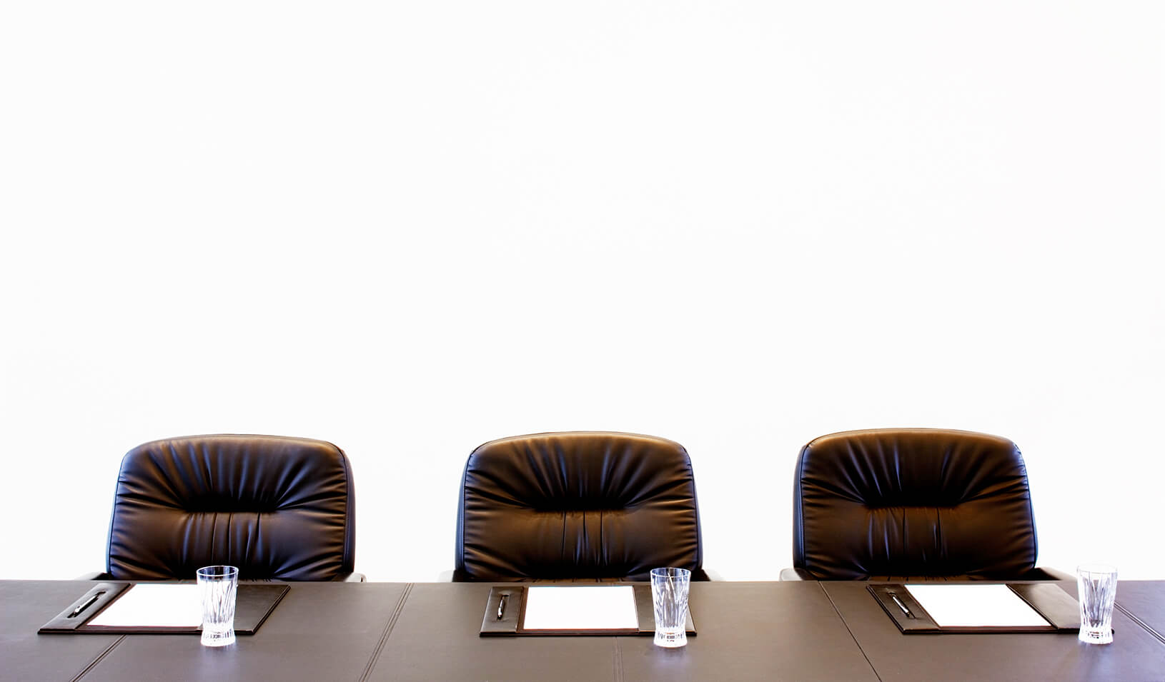 An empty board room | iStock/Sopie_James