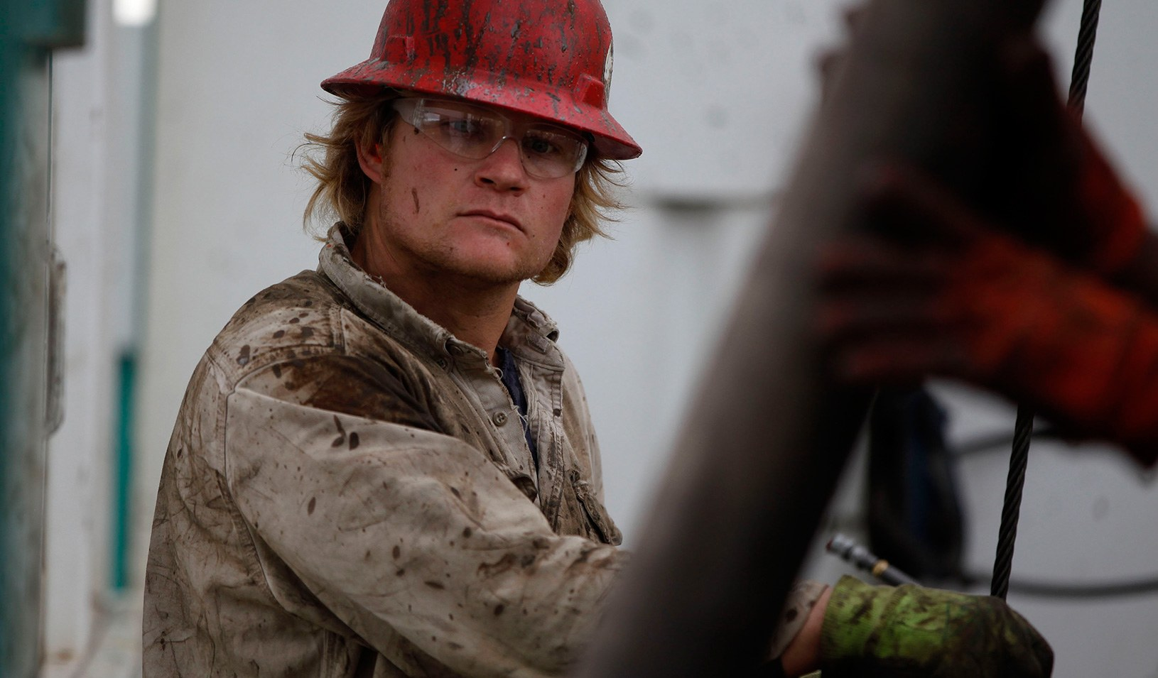 how to become an oil rig worker