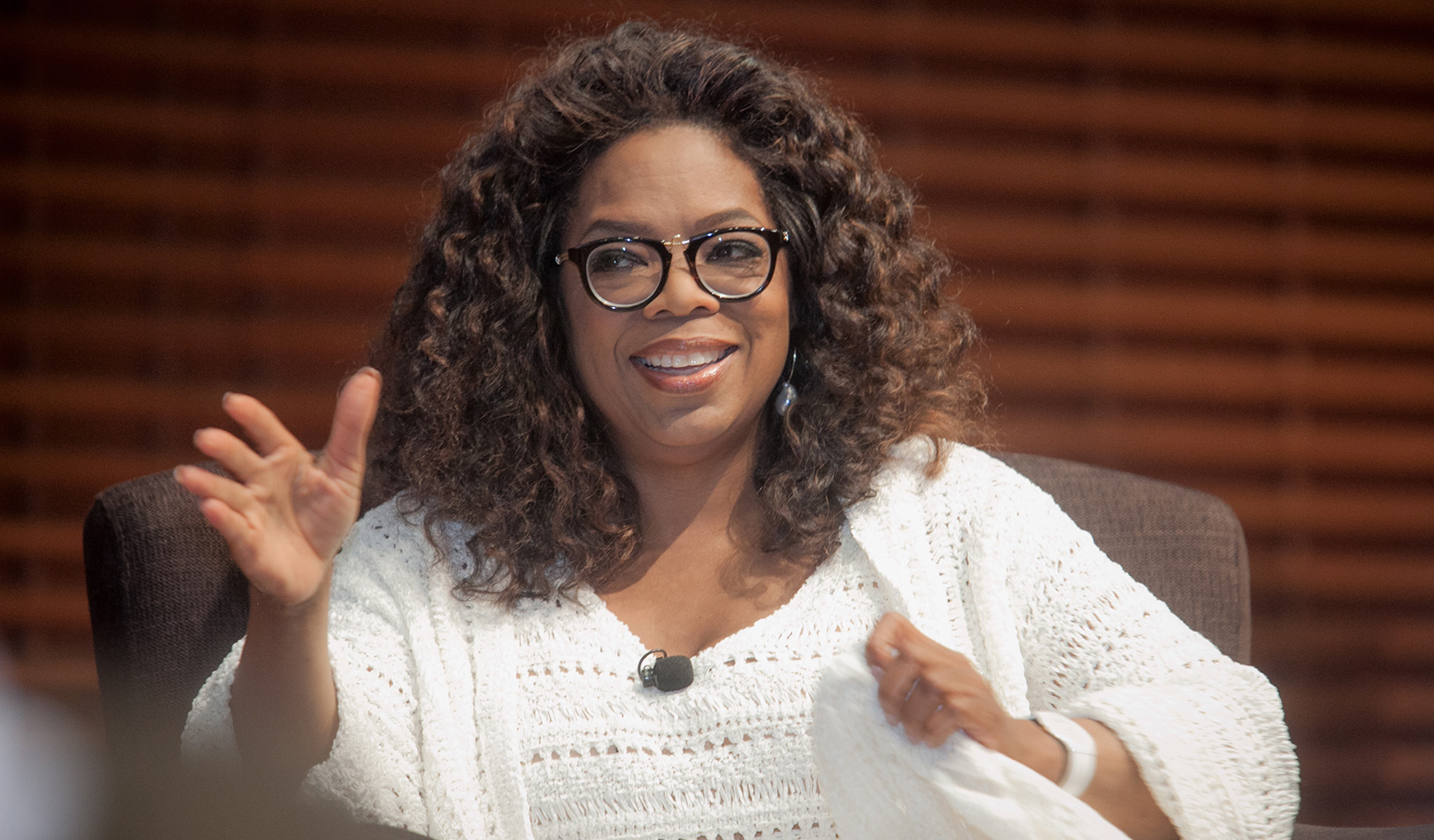 Oprah Winfrey speaking at Stanford GSB. Photo by Saul Bromberger.