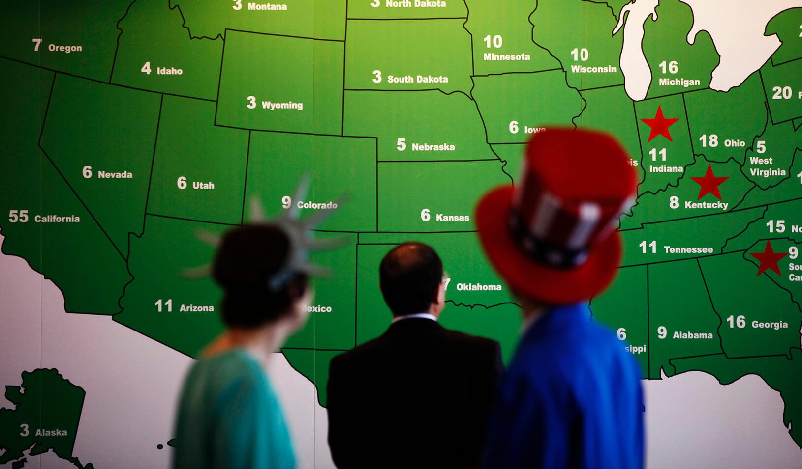 People watching the Electoral College Map | Reuters/Kim Hong-Ji