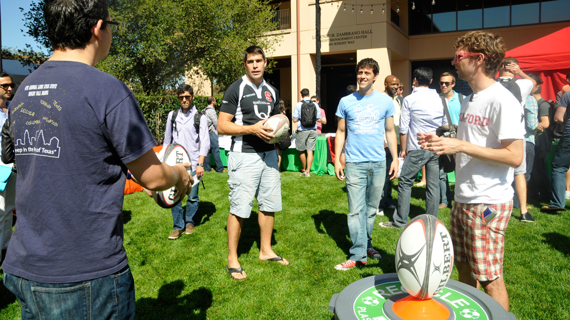 Students at the activities fair