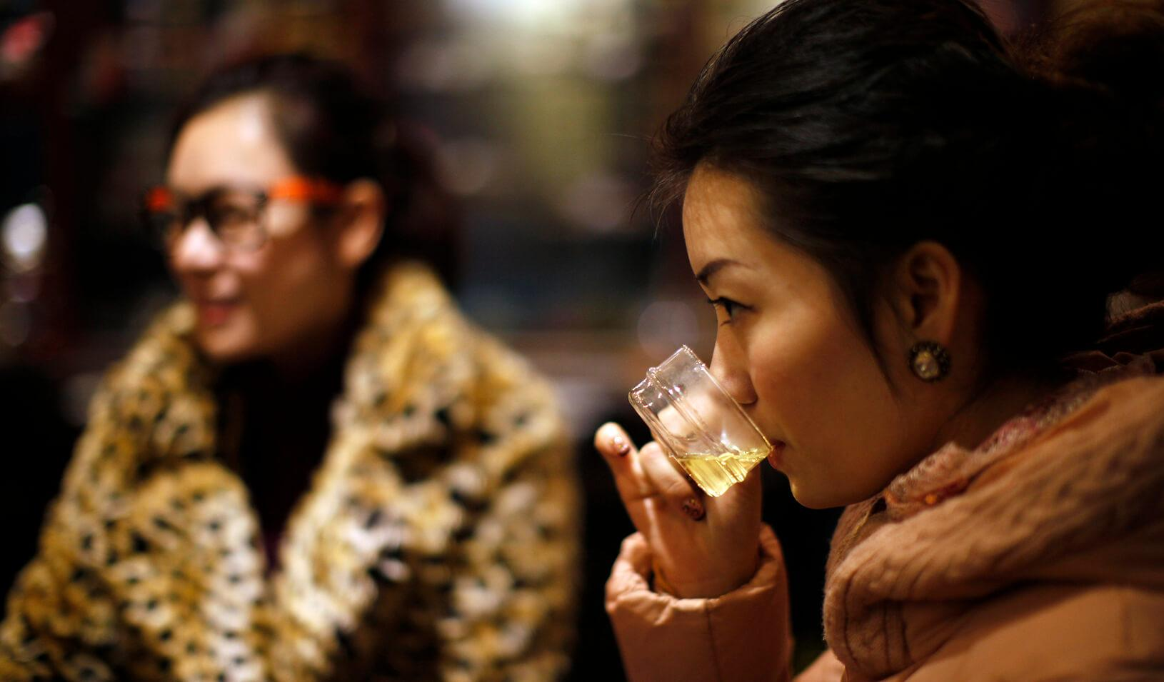 Women drink tea at a tea house in the Hongqiao Antique & Tea Center, downtown Shanghai. Credit: Reuters/Carlos Barria